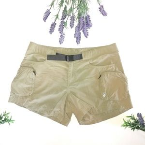 Columbia Khaki Cargo Shorts Small Belt Detail Tan